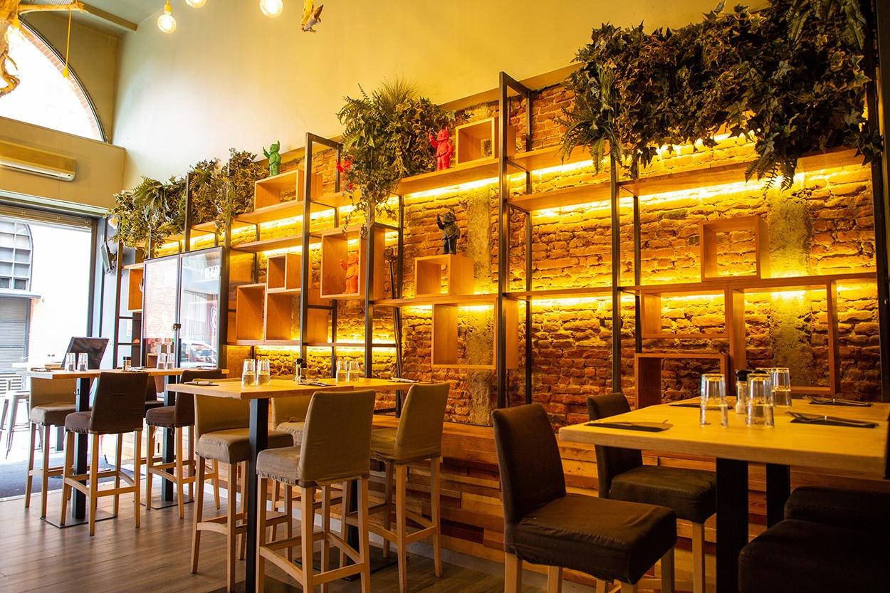 cosmopolitain restaurant bar ambiance midi soir deco