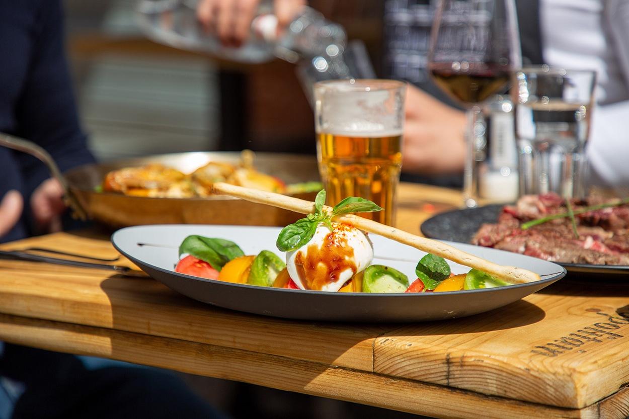 cosmopolitain restaurant bar midi soir salades