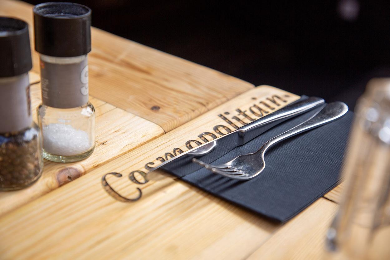 cosmopolitain restaurant bar midi soir tapas plats